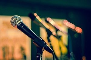 3 Reasons Why Teenagers Should Take Up Singing Lessons Online